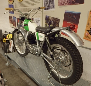 ossa 250 Mike Andrews 1972